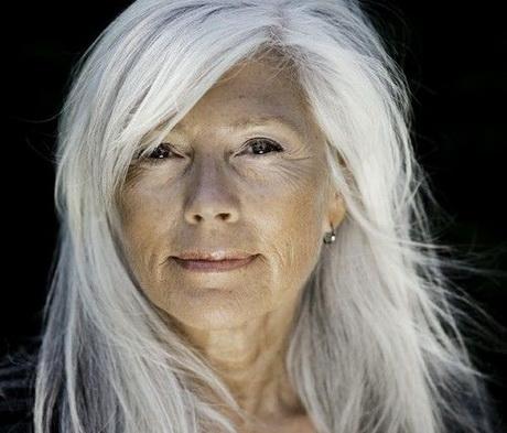 Capelli bianchi donna - Bagno di colore copre i capelli bianchi ...