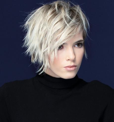 Tagli di capelli media lunghezza 2019
