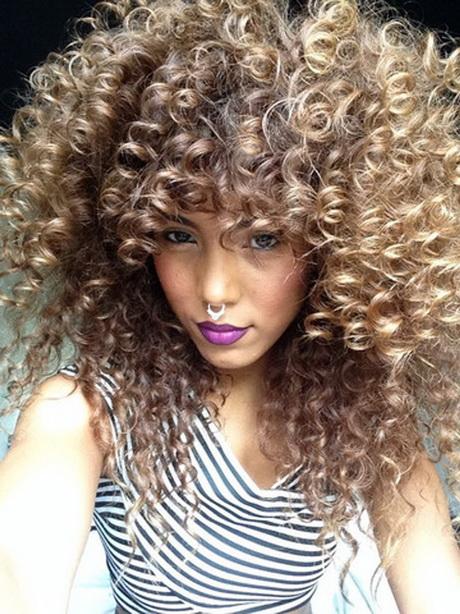 Tagli capelli ricci 2017 donna